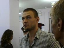 Члена УИК удалили с участка за нападение на избирателя