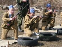 Школьники из Вольска получили именную винтовку от Бабича