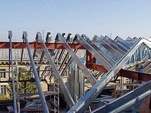 Власти не комментируют ситуацию с ремонтом домов без крыш