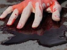 Парень ударил девушку ножом в грудь