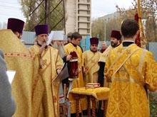 Митрополит Лонгин освятил колокола будущего храма в Заводском районе