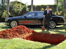 Мужчина похоронил убитую любовницу во дворе