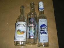 В Саратове в подпольном цеху по производству спирта трудились нелегалы