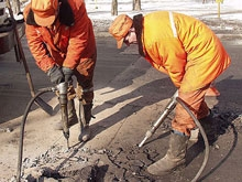 На Белоглинской закрывается движение из-за повреждения тепломагистрали