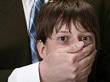 Двоих мужчин заподозрили в растлении восьмиклассника