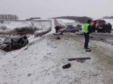 Микроавтобус из Саратова попал в смертельное ДТП под Пензой
