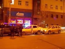 Час назад на Чернышевского произошло массовое ДТП