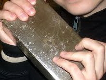 Саратовца задержали на выходе из поезда с купленным в Москве наркотиком