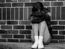 Мужчина пытался изнасиловать дочь-подростка
