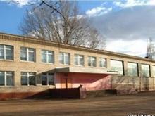 В Энгельсе в середине учебного года начала разрушаться школа