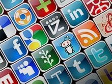 За детьми и педагогами предложено следить через соцсети