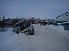 Неосторожный водитель протаранил пассажирский автобус