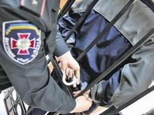 Пьяный ударил женщину-полицейского кулаком в лицо