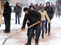 В выходные в Саратове очищено 900 дворов