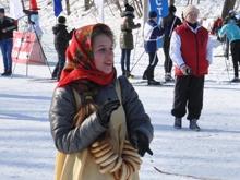На Саратовской Лыжне гостей веселила зебра