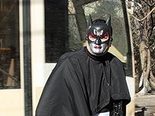 """Бэтмен и """"дворники"""" пытались урезонить саратовских оппозиционеров"""
