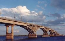 Велосипедистам официально разрешили ездить через ремонтируемый мост