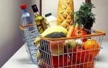 Саратовцы скупают дешевые продукты на рынках Уральска