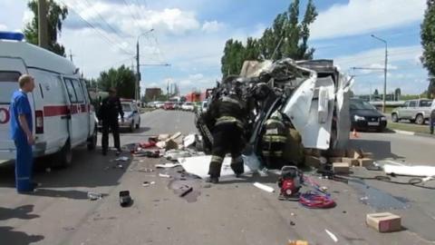 """В Балаково водитель """"ГАЗели"""" погиб в столкновении с зерновозом"""