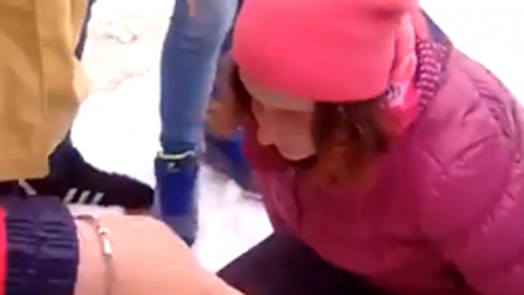 Избиение школьницы. В Вольск выехала детский омбудсмен