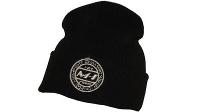 Саратовский продавец оштрафован за шапку с чужим логотипом