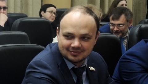 Коммунист предложил продать саратовцам машину «спящего министра» Выскребенцева