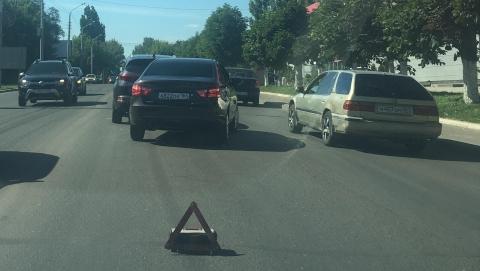 На улице Шехурдина столкнулись две легковушки
