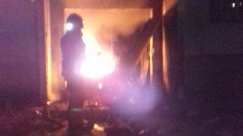 Спасатели эвакуировали жильцов из горящего многоэтажного дома