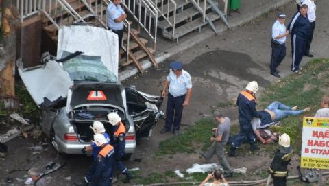 В Энгельсе в ДТП погибли молодые мужчина и женщина