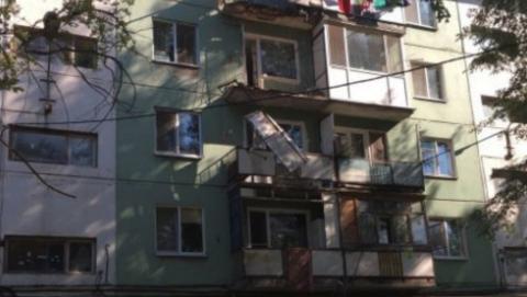 Житель Энгельса упал с четвертого этажа вместе с рухнувшим балконом