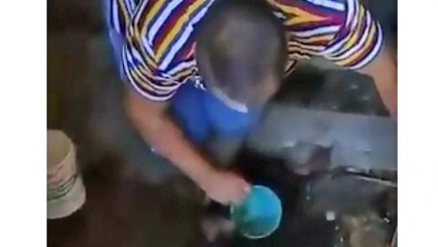 Жители Новых Бурас полгода живут без воды