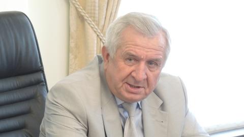 Виктор Малетин пожелал учителям признательности детей и уважения родителей