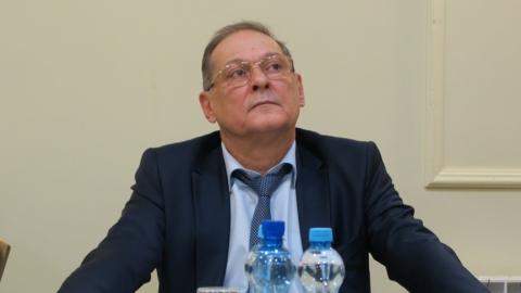 Председатель саратовского правительства установил химикам оклад в 8164 рубля