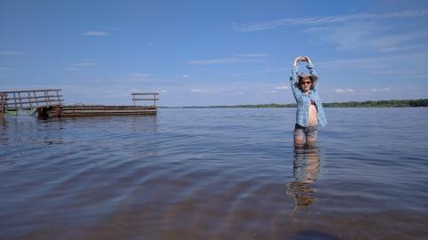 Знойное лето не сдает позиции в Саратовской области
