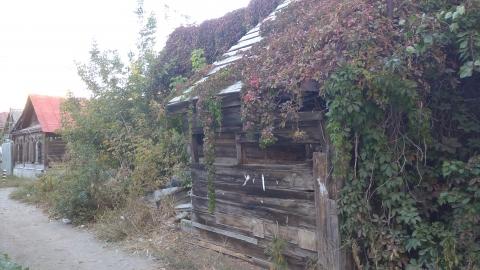 Житель Энгельса наткнулся в заброшенном доме на труп