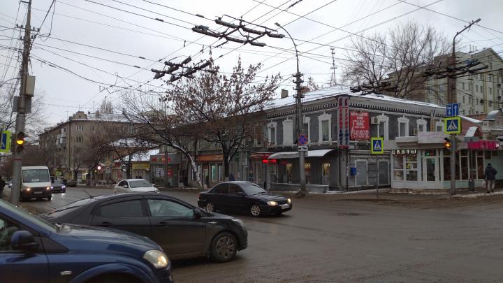 На Чапаева и Мичурина сломались светофоры