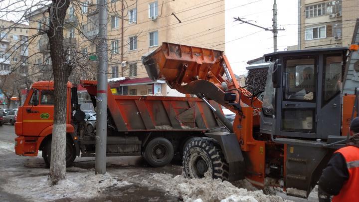 Полиция опровергла факт «стрельбы» по снегоуборочной машине в Балакове