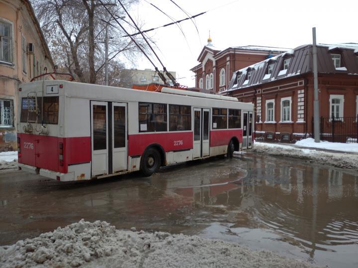 В Саратове прервано движение троллейбусов №5а и 11