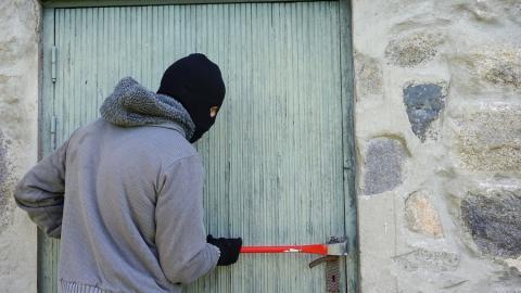 В Саратовской области растет число краж и грабежей