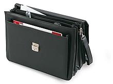 Бизнес-кейс из искусственной кожи с несколькими отделениями и карманами.