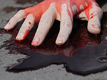 Убитая в подъезде девушка оказалась судимой за грабеж и изнасилование