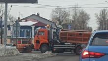 «КамАЗ» и две иномарки заблокировали движение на Вольской в Саратове