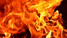 Две машины загорелись ночью в Энгельсе