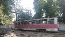 Четыре трамвайных маршрута и два троллейбусных остановились в Саратове