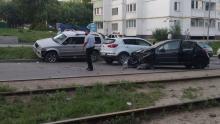 На Огородной разбился Peugeot и встали 11 трамваев