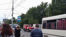 В Саратове горел старый двухквартирный дом