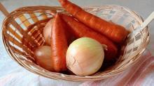 Саратовстат отметил падение цен на морковь