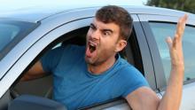 В Энгельсе 25 наркоманов и неадекватов незаконно имели водительские права